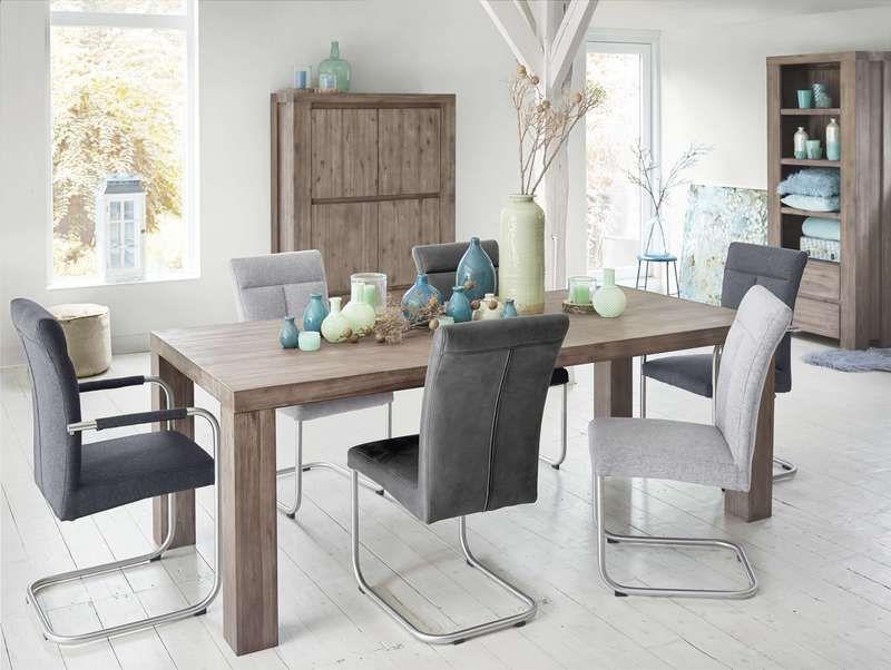 Eetkamer met stoelen lucento en woonprogramma montreal voor meer