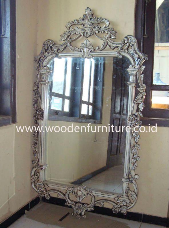 Espejo marco plateado finest espejo marco plata calado for Espejo redondo plateado