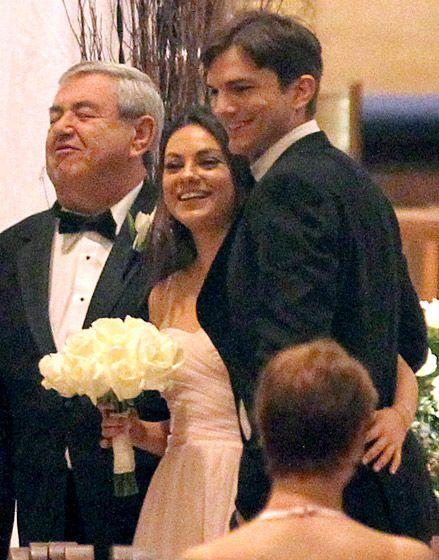Ashton Kutcher And Mila Kunis Romance In Photos Ashton Kutcher