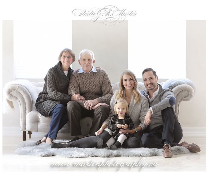 INDOOR PORTRAIT STUDIO & OUTDOOR LIFESTYLE FAMILY PHOTOGRAPHY #extendedfamilyphotography