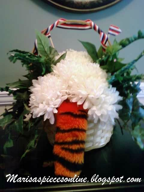 Auburn Puppy Flower Bouquet   Puppy/Animal Flowers   Pinterest ...