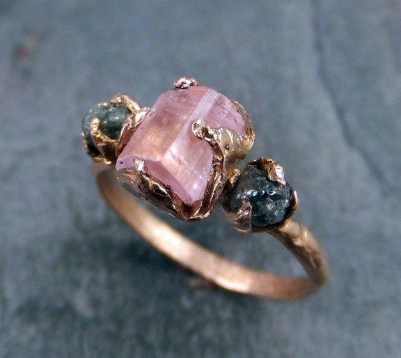 Свадебные кольца с цветными камнями, необработанным камнем ...