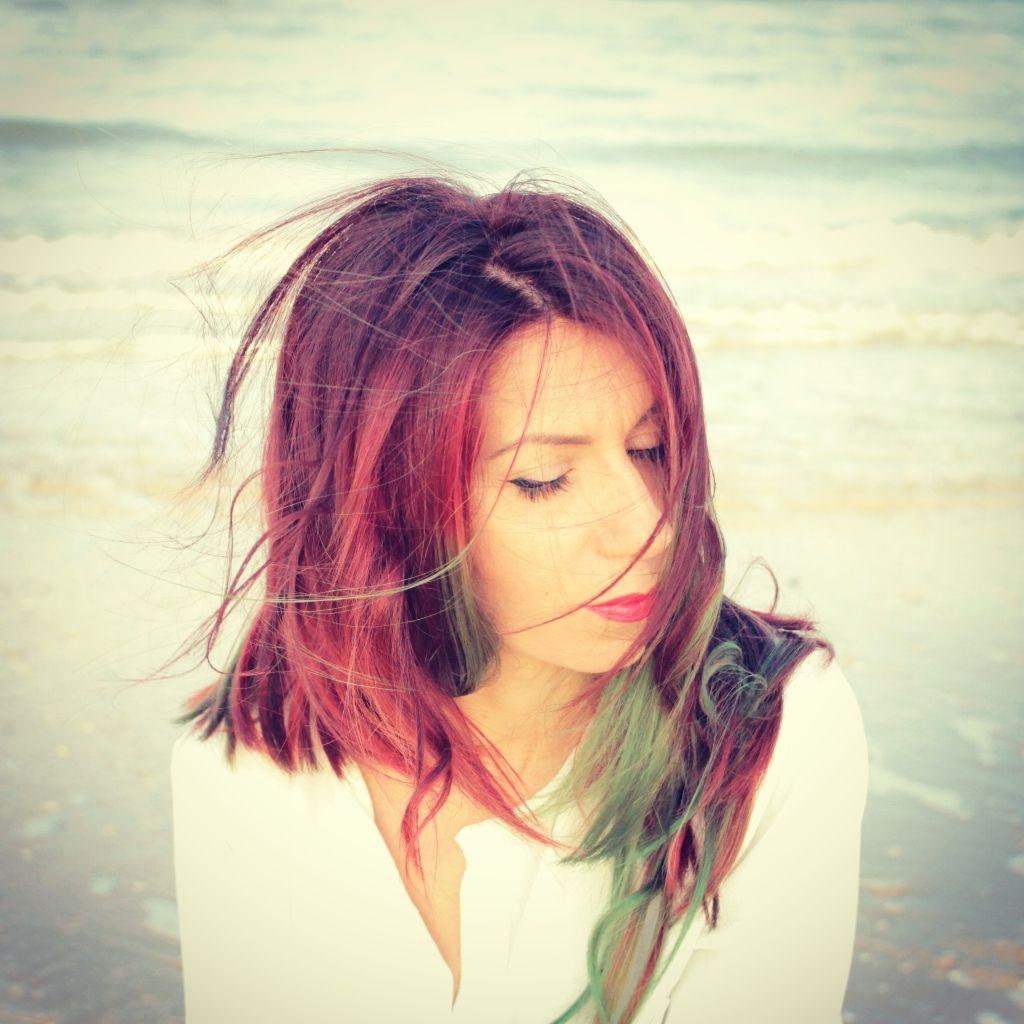 una passeggiata al mare con il vento tra i capelli #wind # ...