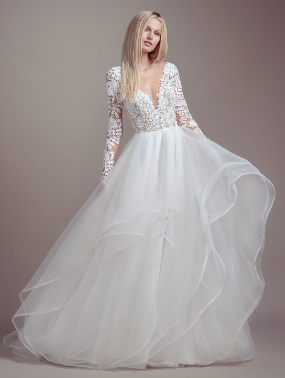 Long Sleeve Ball Gown Wedding Dress Blush By Hayley Paige Wedding Dresse Long Sleeve Ball Gown Wedding Dress Wedding Dresses Kleinfeld Long Sleeve Ball Gowns [ 1327 x 1000 Pixel ]