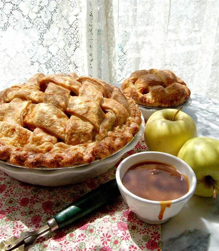 Thanksgiving Desserts Pecan Pie Pumpkin Pie More: Get Magnolia Bakery's Thanksgiving Pie Secrets