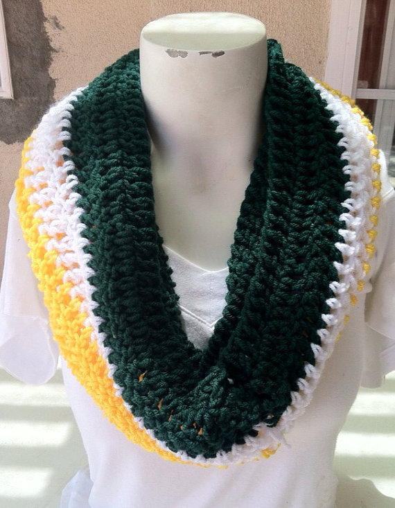 Green Bay Packers Infinity Crochet Scarf | Crochet scarfs ...