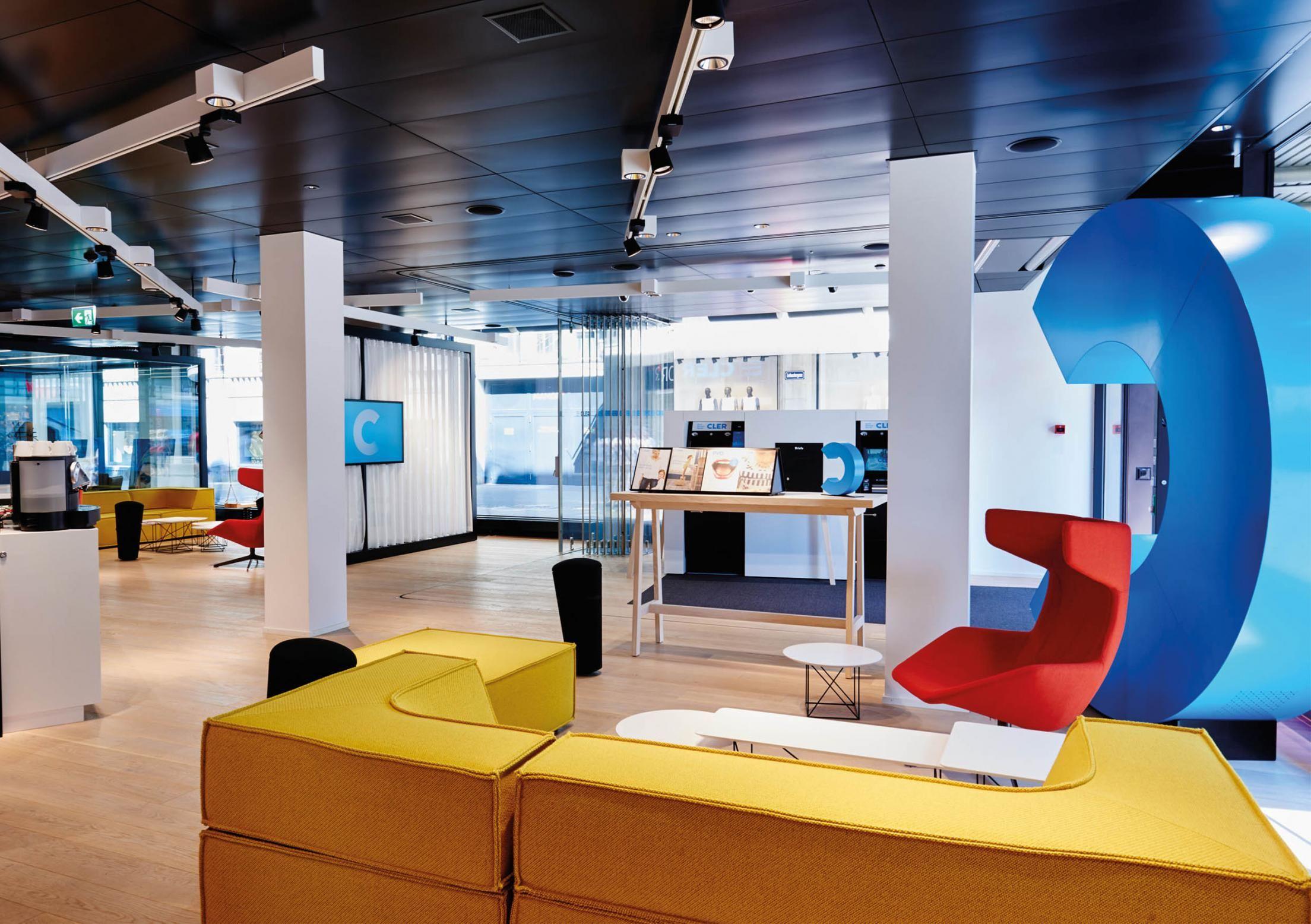 Bank Cler / German Design Award / Standup by wilkhahn