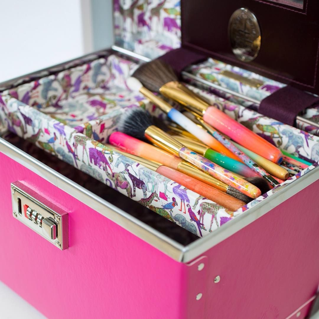 GlobeTrotter beauty case and JACKS Beauty hand painted