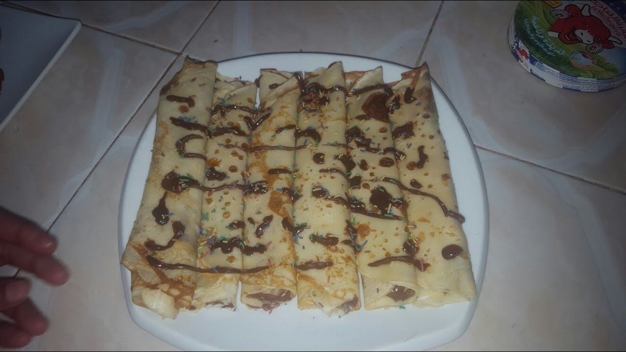 Pin By Om Eymen On اسهل طريقة لعمل الكريب بالنوتيلا والموز Crepe Au Chocolat Nutella Et Banane Food Breakfast Waffles