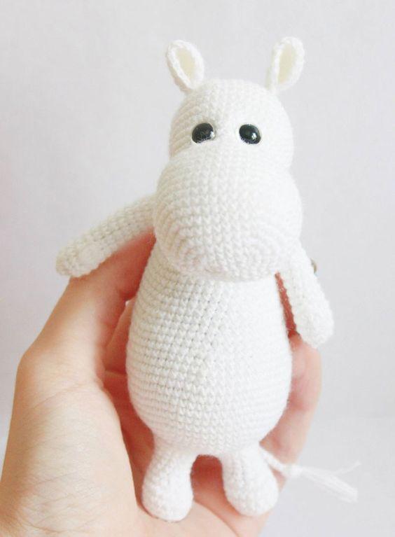 Amigurumi Moomin crochet pattern   Animales tejidos, Rinocerontes y ...