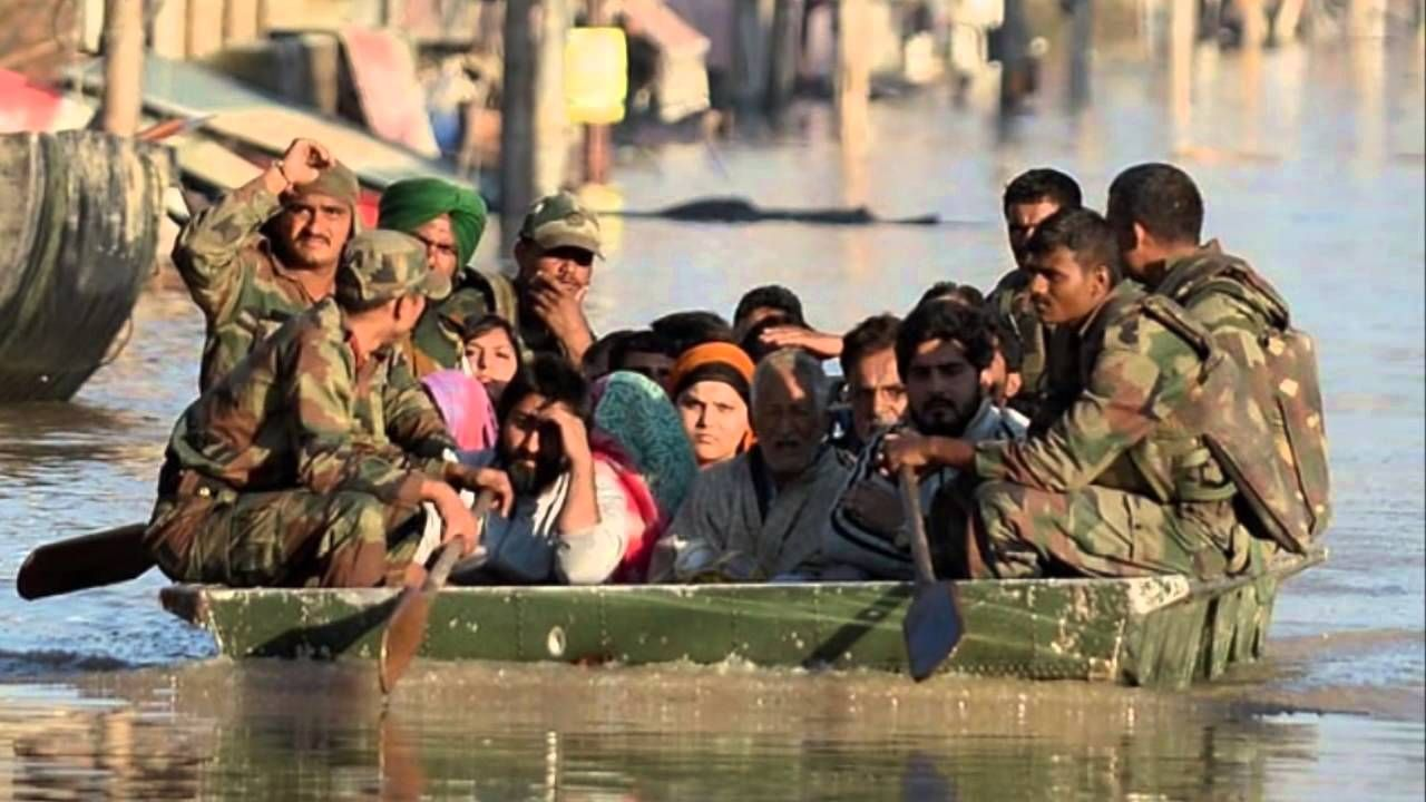 WE SALUTE YOU _/\_ Bollywood Lyrics VIdeo Channel dedicate this to our braveheart soldiers who saved lives and rescued people of Kashmir from the terrifying flood situation. Thanks you Indian Army,Indian Air Force,NDRF,Doctors and everyone whos were part of this operation. We all Salute You #kashmirfloods #jammuandkashmirfloods #indianarmy #indianairforce #ndrf   #BollywoodLyricsVideoChannel #CommitmentKiAisiKiTaisi