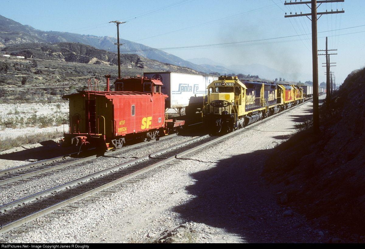 SF 5303 Atchison, Topeka & Santa Fe (ATSF) EMD SD45 at San