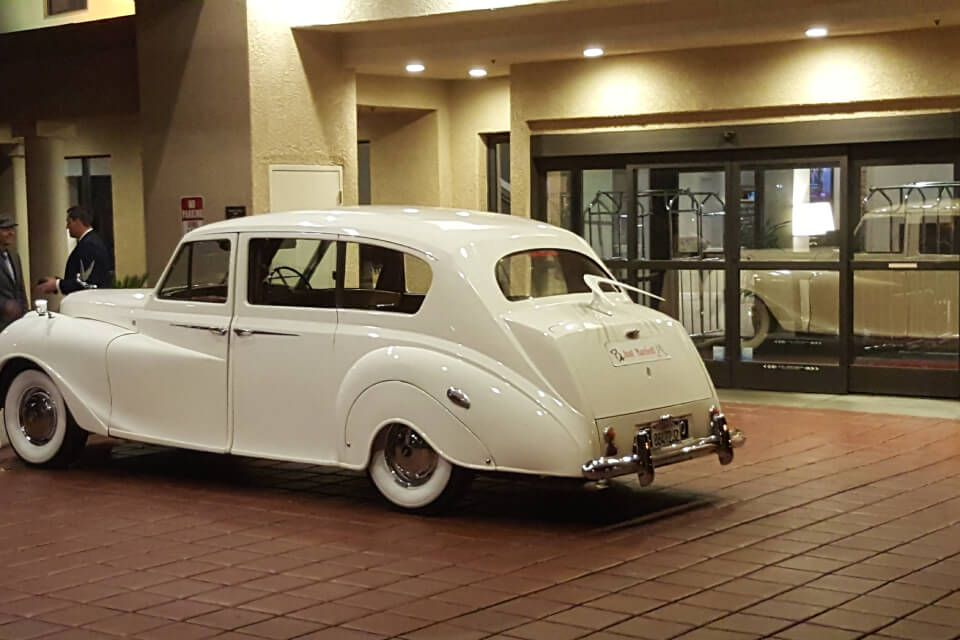 Get a great classic car rental in Los Angeles to make your
