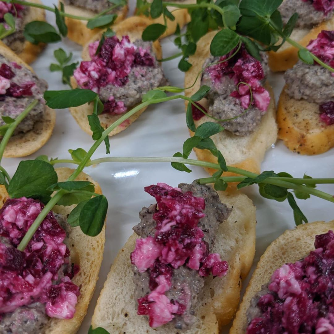 Our new Autumn 🍂 finger buffet menus are now in full flow - adding colour, fun and healthy food to your event - mushroom pate with beetroot salsa, blinis with smoked salmon @thevalleysmokehouse with orange salsa, scones with pumpkin purée and bacon @originbutchers and ewes curd @longmancheese1880 . Garnished with @metrogreensfarm micro leaves grown in Bristol . . .