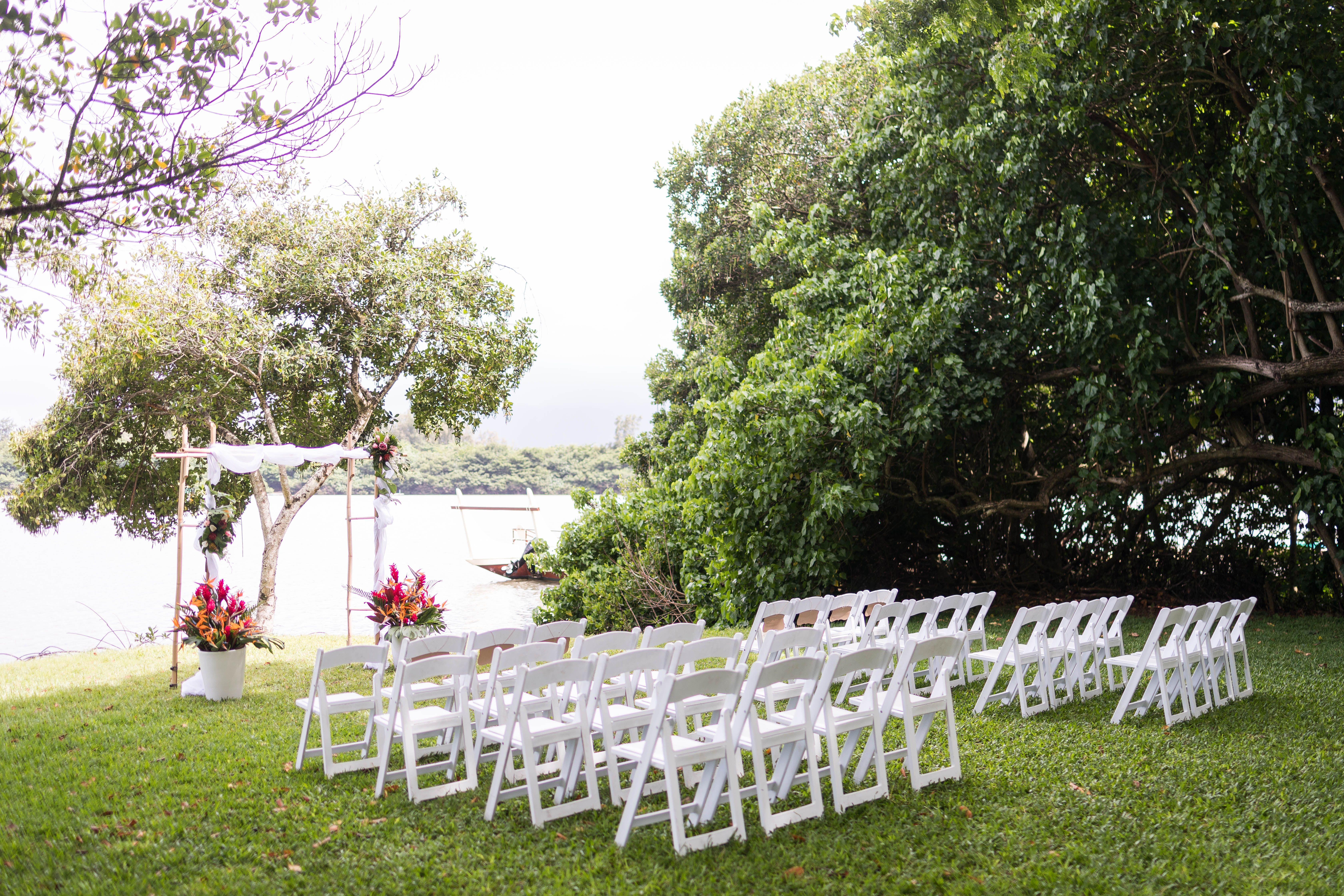 Outdoor Wedding Venue In Hawaii At Kualoa Ranch Outdoor Wedding