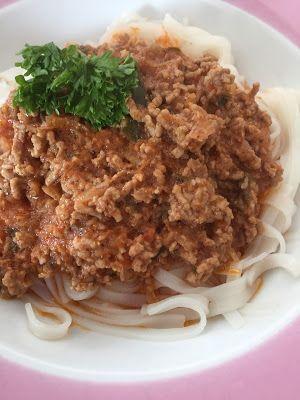 Asiatische Bolognese mit Reisbandnudeln Claudia\u0027s Küche Pinterest - alma küchen essen