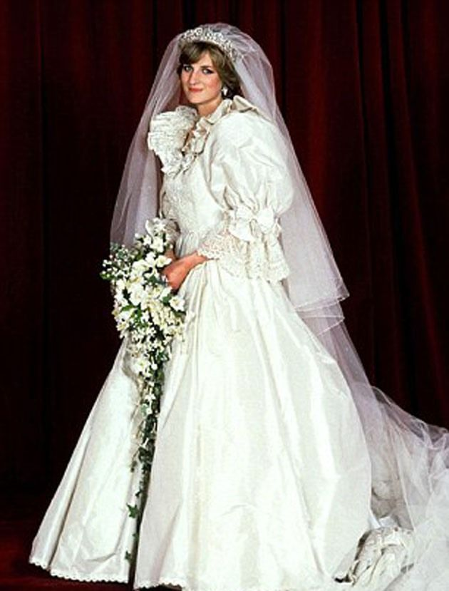 5 Of The Most Expensive Wedding Gowns Ever Princess Diana Wedding Princess Diana Wedding Dress Diana Wedding Dress