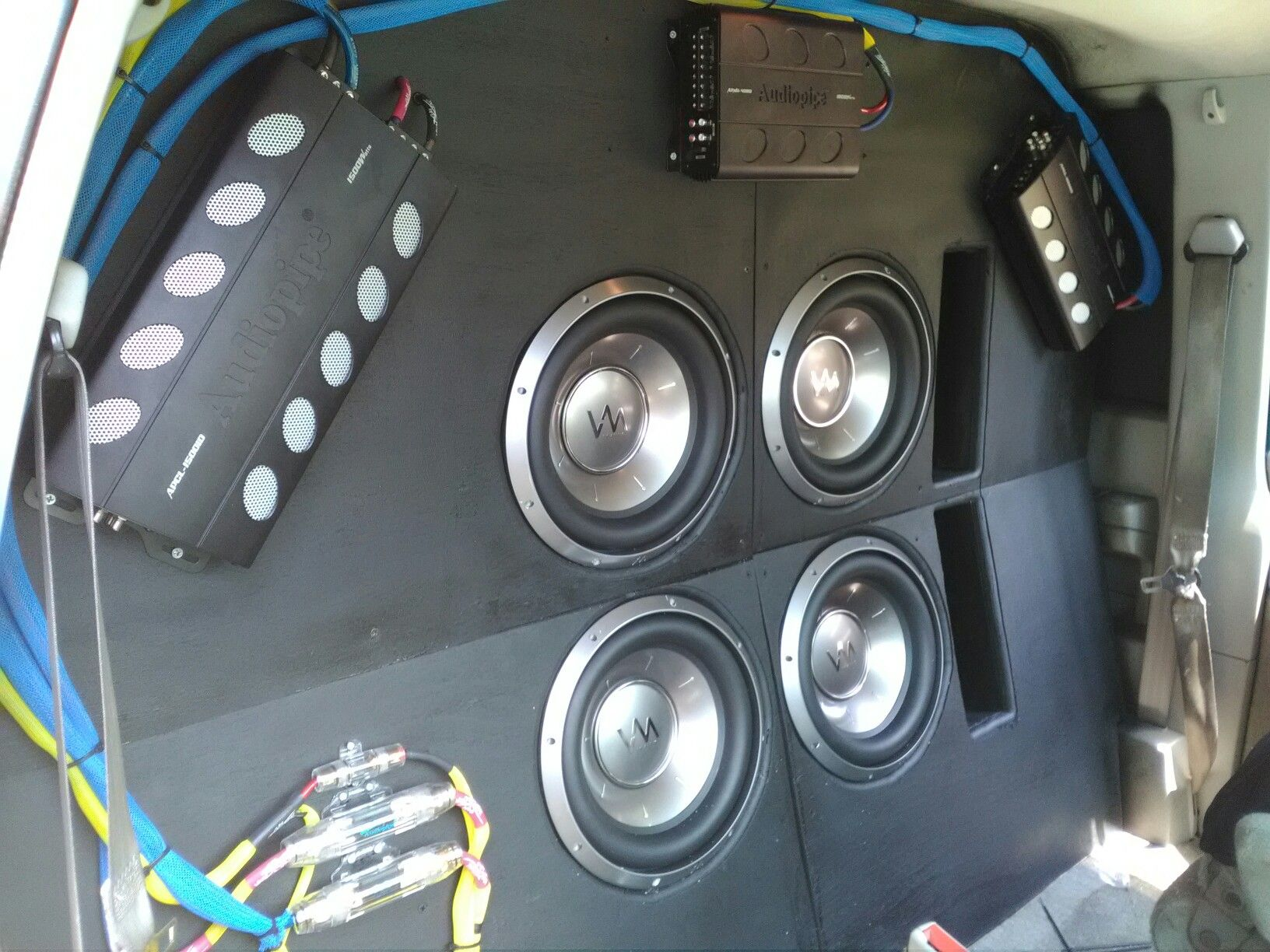 hight resolution of all three amps are wired and have battery voltage next is rca cable and remote wires then connecting dash and door pods