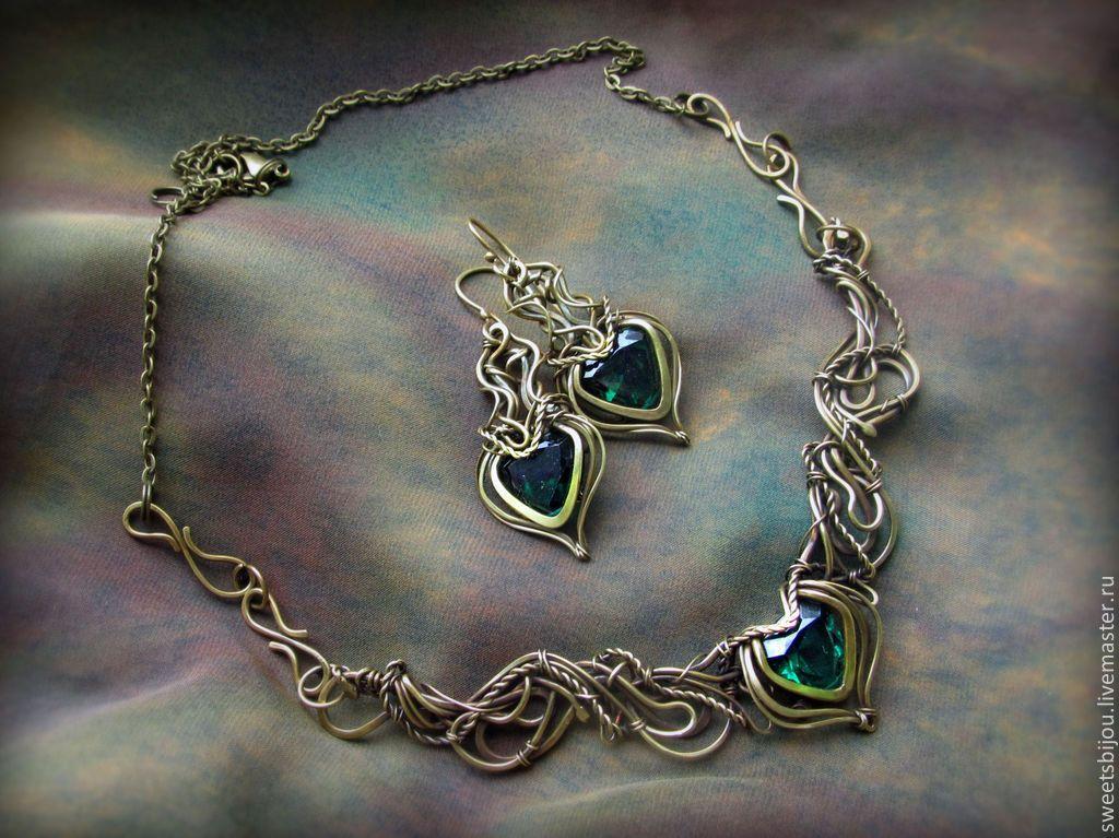 """Купить Латунный комплект """"Trina"""" колье, браслет серьги - тёмно-зелёный, изумрудный цвет, зеленый"""
