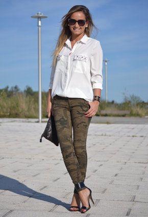 militar + camisa blanca