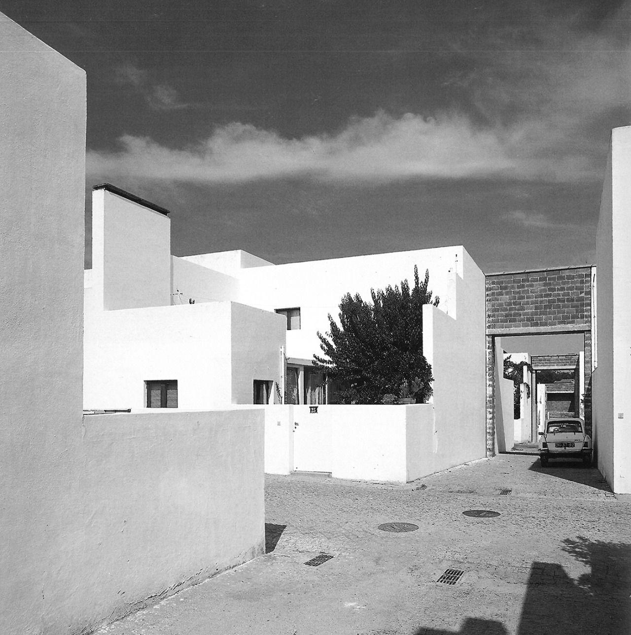 Lvaro siza barrio de la malagueira evora portugal for Arquitectos de la arquitectura moderna