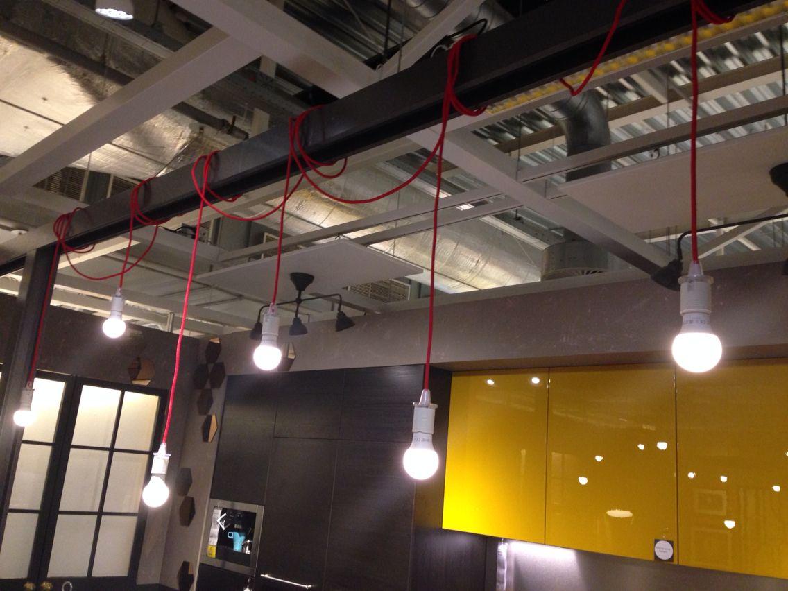 Lampen Boven Bar : Lampen aan strijkijzerkoorden voor boven de bar eilandelement