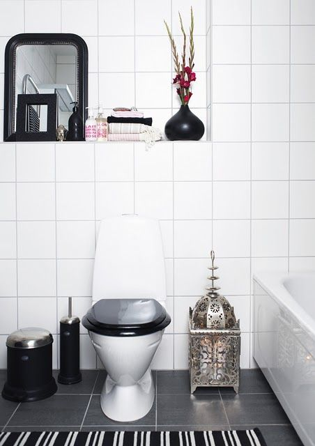 Simple, classy bathroom - Scandinavia meets Morocco.
