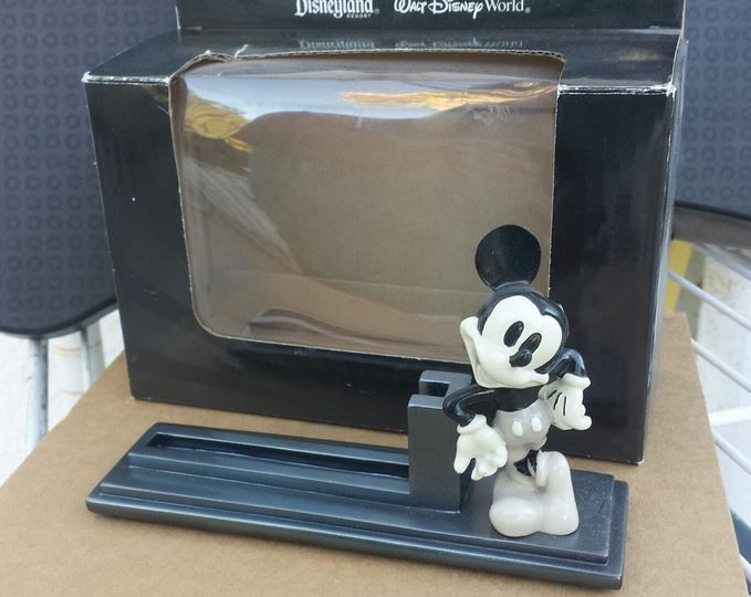 A mickey mouse desk business card holder walt disney official a mickey mouse desk business card holder walt disney official holder 800 mickeymouse colourmoves Gallery