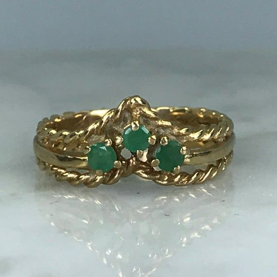 Emerald Wishbone Band. 9K Yellow Gold. Unique Engagement Ring. Wedding Band. Vintage Estate Jewelry. May Birthstone. 20th Anniversary #20thanniversarywedding