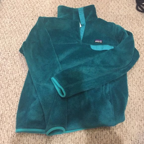 Teal Patagonia fleece pull over Worn once! In perfect shape! Patagonia Sweaters