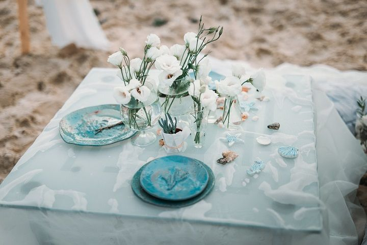 Beige And Emerald Wedding Colours For A Beach Themed Wedding