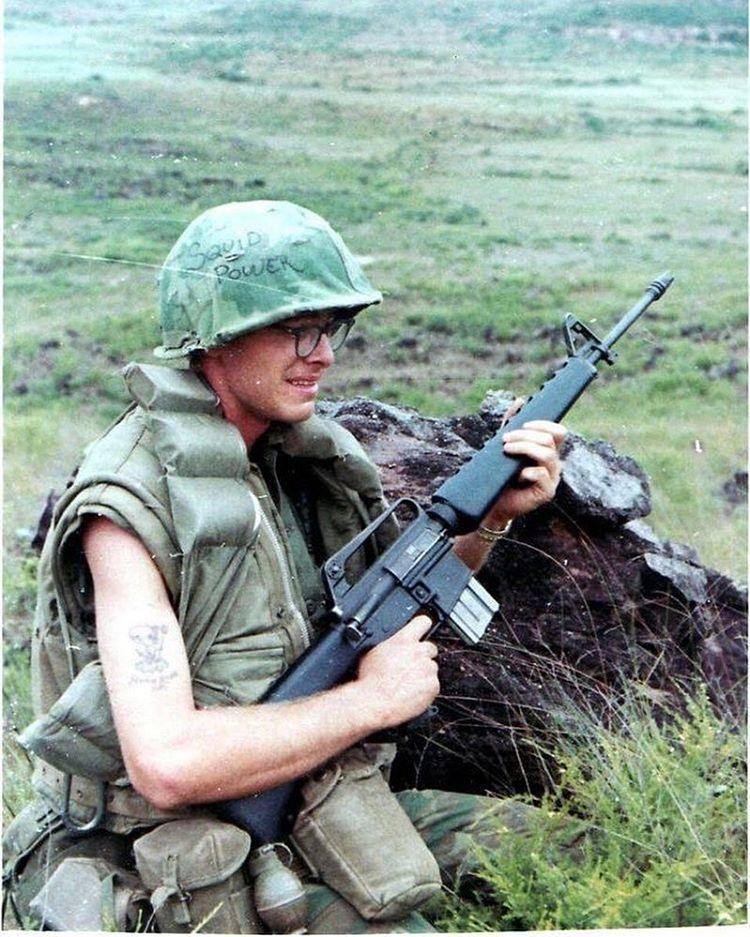 Votre arme a feu de film/série/livre  préférée 09ec6d32030b9c057c5955a575aacbc5
