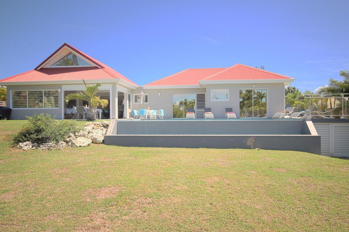 Villa Haut De Gamme A Louer En Guadeloupe Maison Guadeloupe Location Villa Architecture