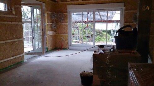Blick aus der Küche in den Essbereich! Schöne große Fenster zum