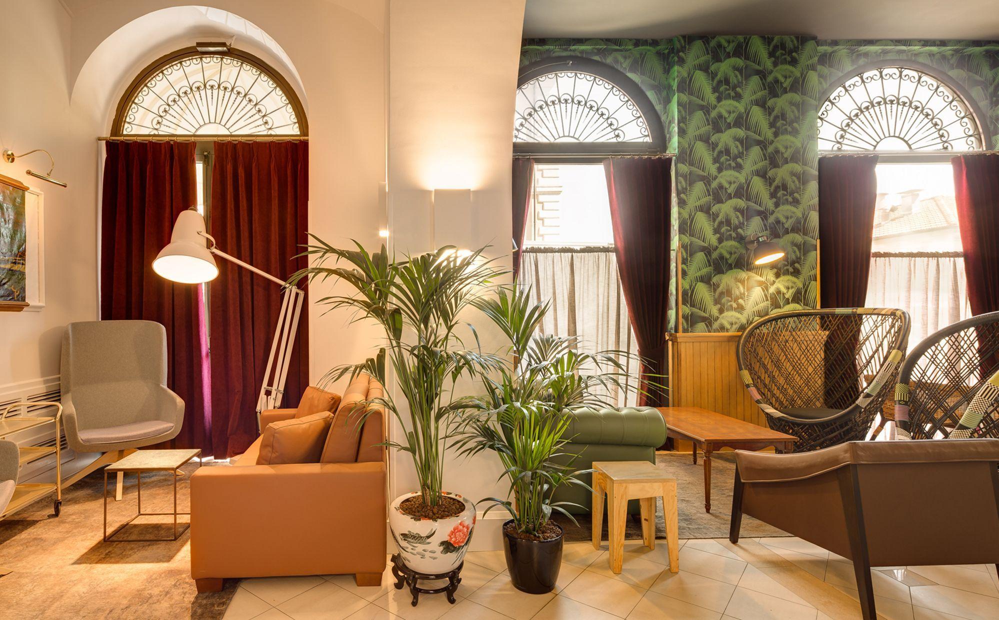 Rome Bar & Lounge
