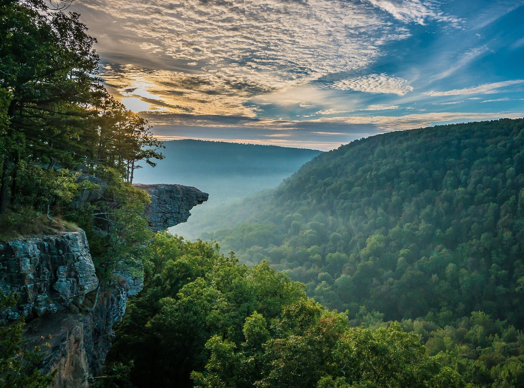 Hawksbill Crag Trail to Whitaker Point Perfect road trip