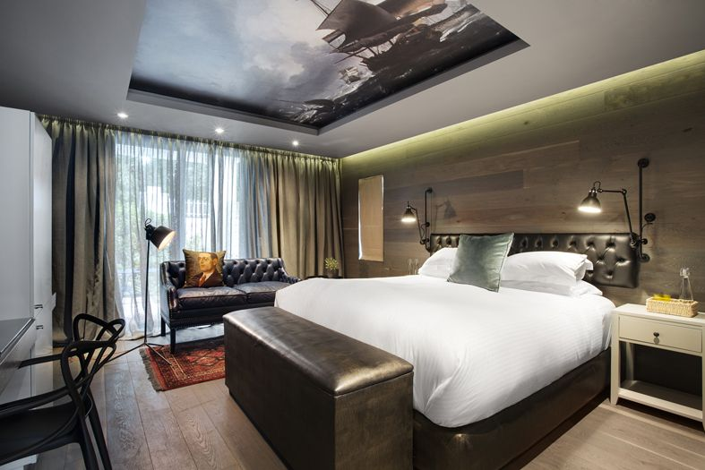 Best Boutique Hotel Ceiling Wallpaper Old Ship Wall 640 x 480