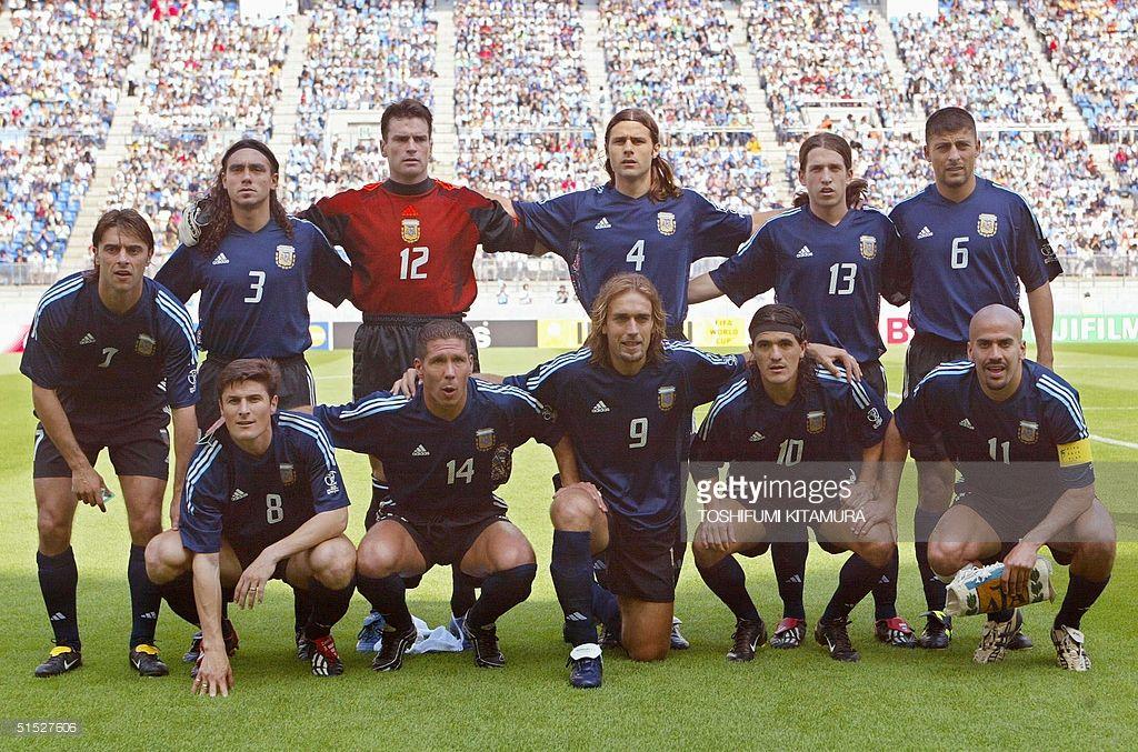 Argentinian Team Poses For Photographer Before The Argentina Nigeria Seleccion Argentina De Futbol Argentina Mundial Equipo De Futbol