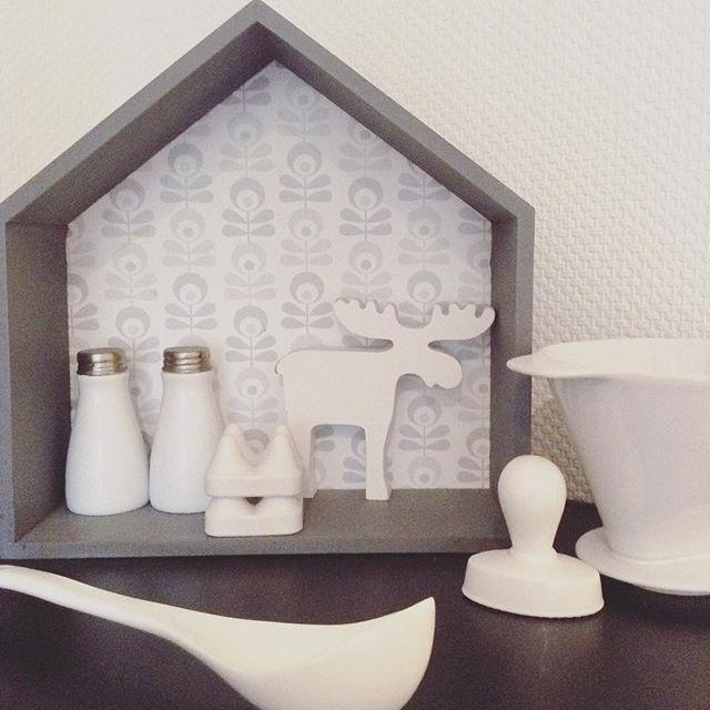 Küchensammelsurium mit Elch #kitchen #küche #porzellan #elch - regale für die küche