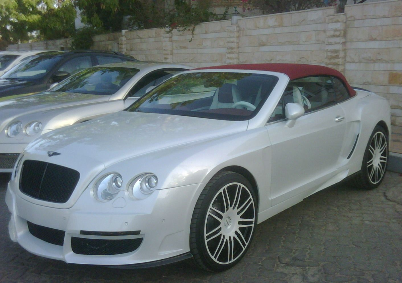 Hire Luxury Cars In Atlanta We Offer Perfect Collections Of Luxury Cars Like Bentley And Many More Http Milanirental Luxury Car Rental Luxury Cars Maserati
