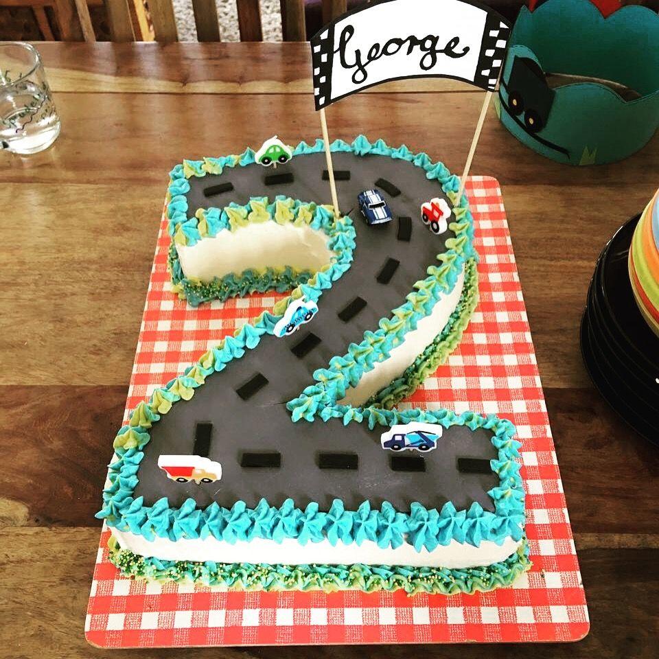 Zweiter Geburtstag Auto Torte Auto Torte Cars Kuchen Kinder