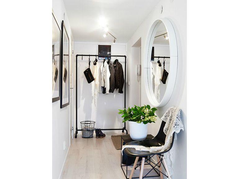 Porta Cappotti Da Ingresso.9 Come Arredare Ingresso Corridoio Specchio Stencil Porta Abiti