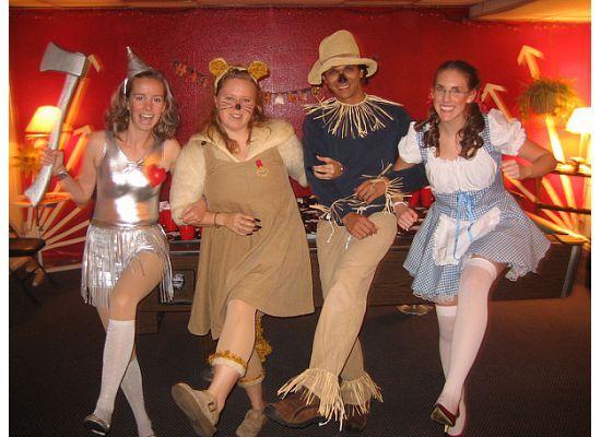 Halloween 2007. Great group costume! Love it! | HALLOWEEN ...