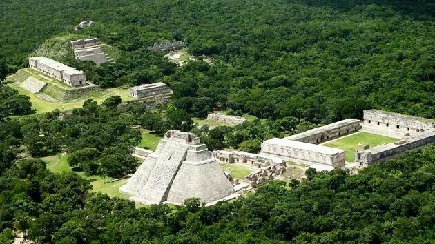 Cuadrangulo de las monjas, Uxmal, Yucatan