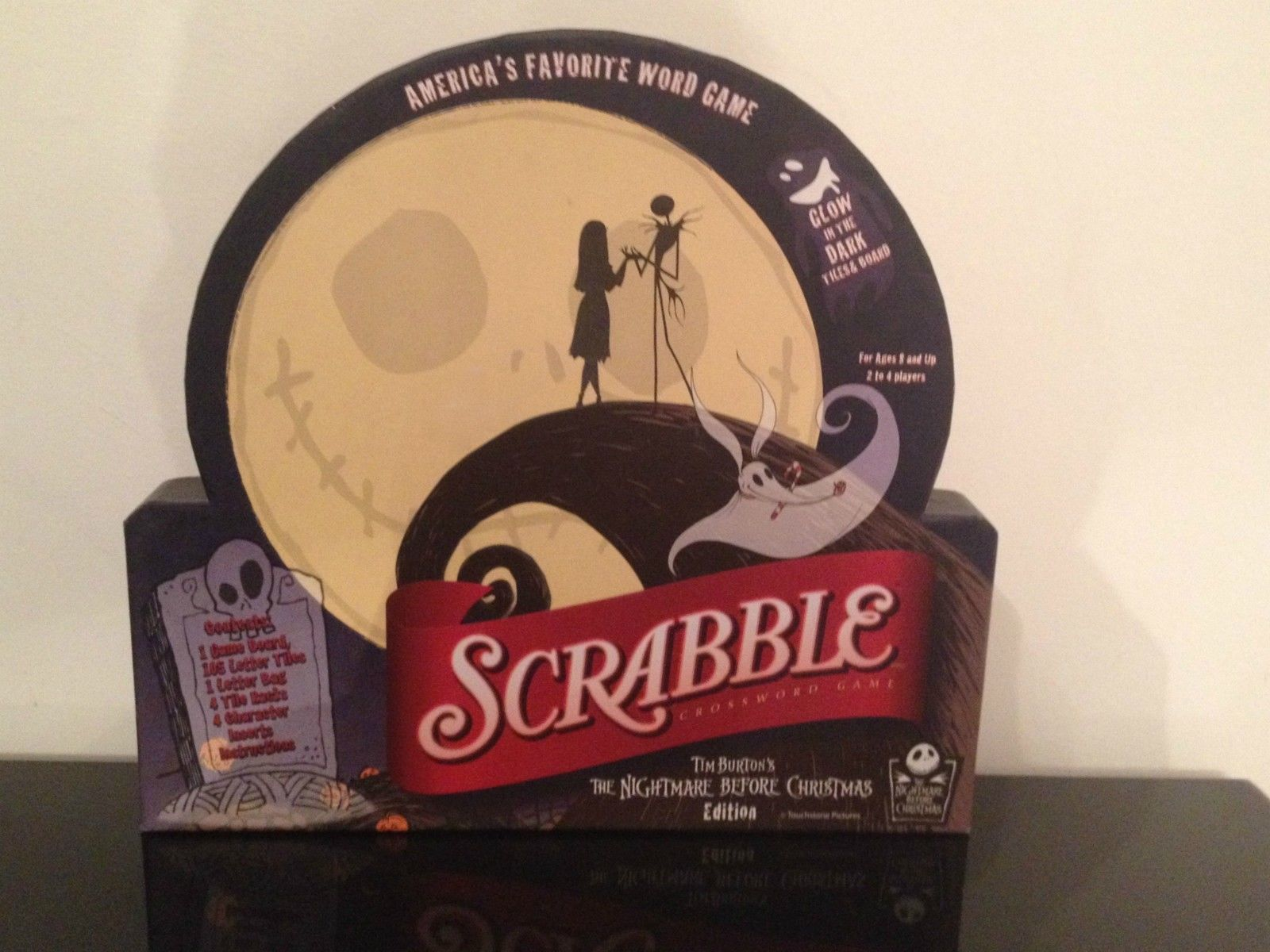 Scrabble Tim Burton\'s The Nightmare Before Christmas Glow in the ...