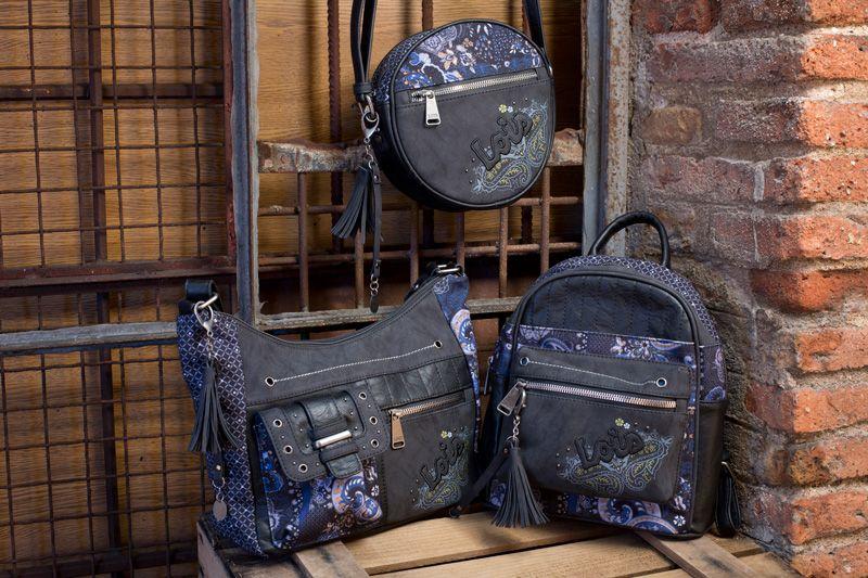 87344c36fec Bolsos Lois modelo Santa Bárbara.  mochila  bolso  bandolera  bolsoredondo   bolsomano  lois