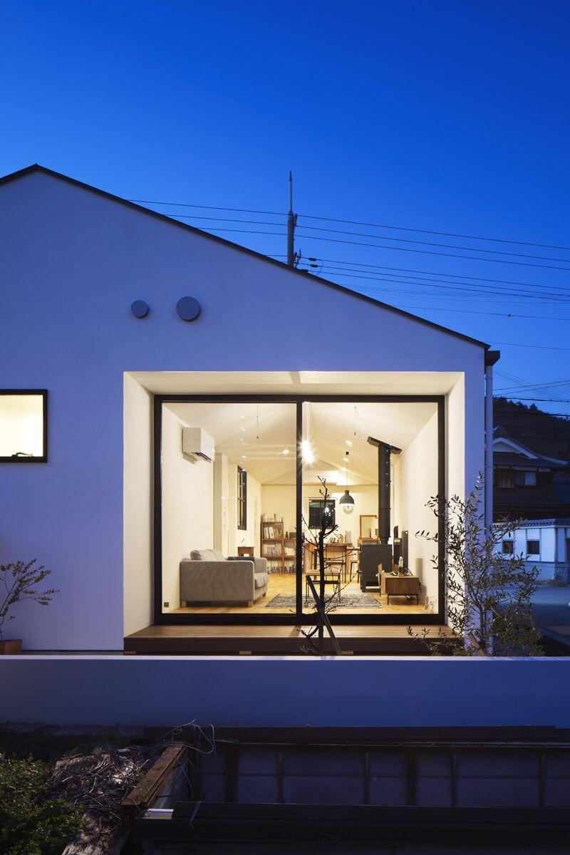 川西台の家のリビング 建築家 モダンハウスデザイン リフォーム