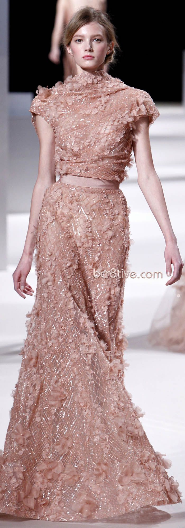 Elie Saab Spring Summer 2011 Haute Couture | Monje, Alta costura y ...
