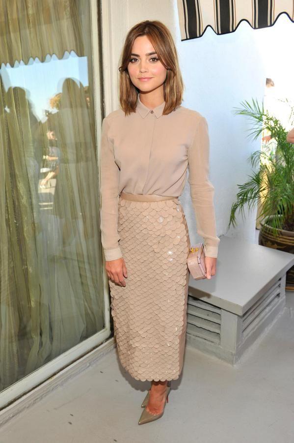 British actress @Jenna_Coleman_ wearing a @Burberry pencil skirt to celebrate the @BAFTA #Britannias with @VanityFair