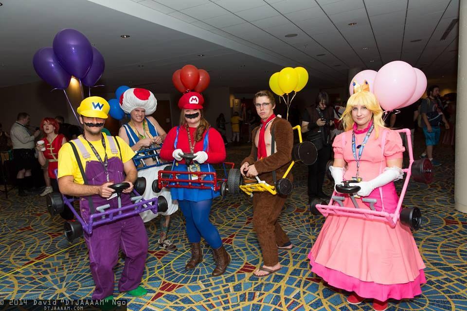 ngo kart Funny Mario kart cosplay group seen at Dragon Con 2014. Photo by  ngo kart